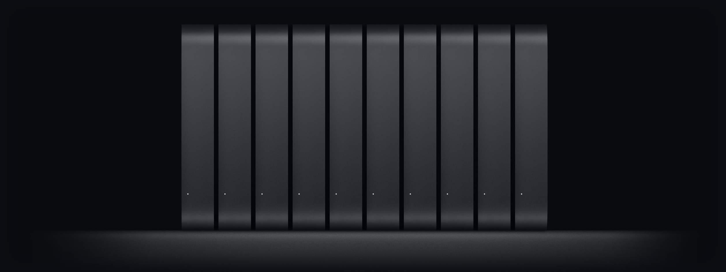 Mac mini monta käytössä